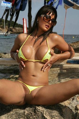 Bikini-Dare_Georgina_21_2