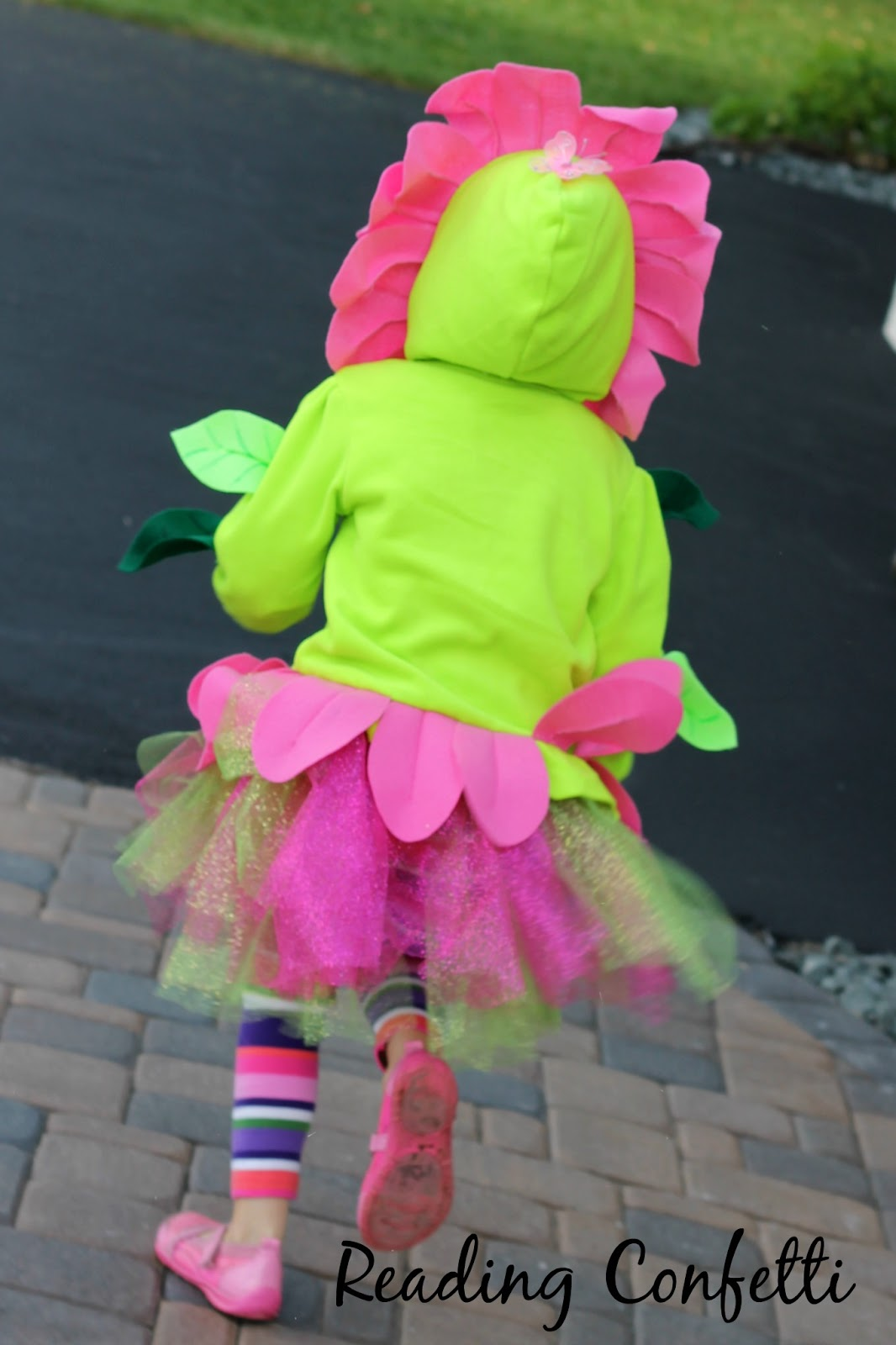 Make an easy (and warm!) flower costume for Halloween from a sweatshirt and felt.