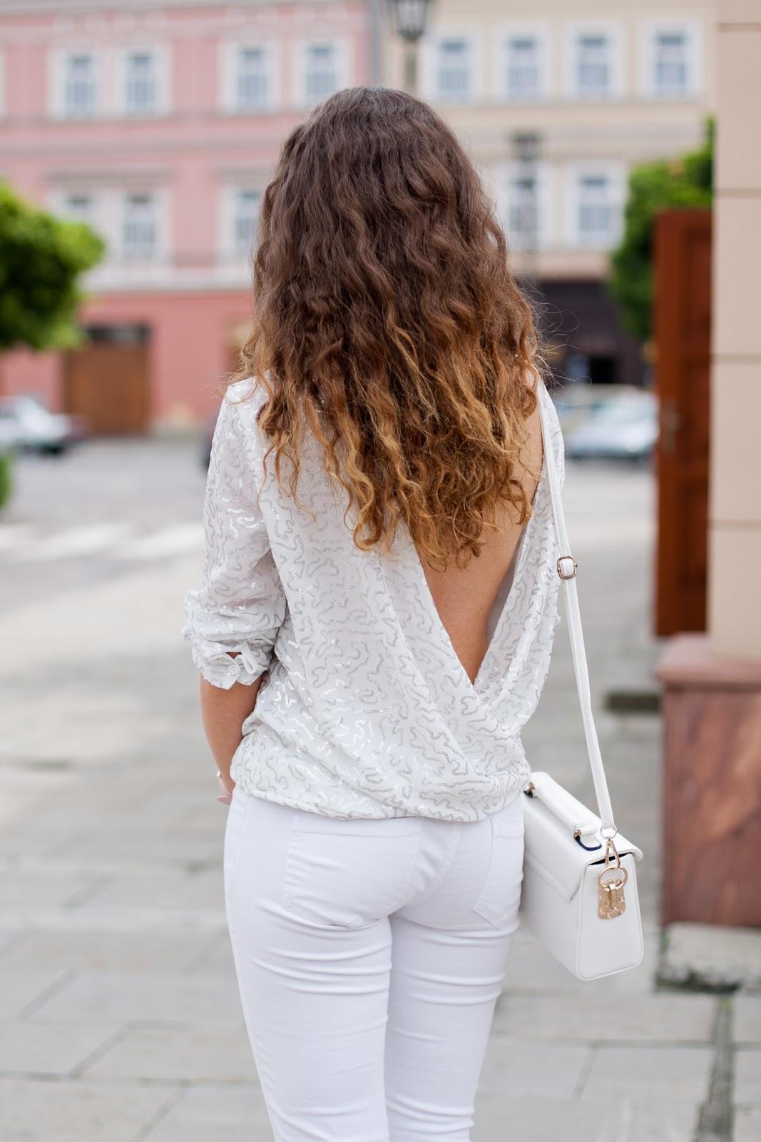 Bluzka z odkrytymi plecami open back