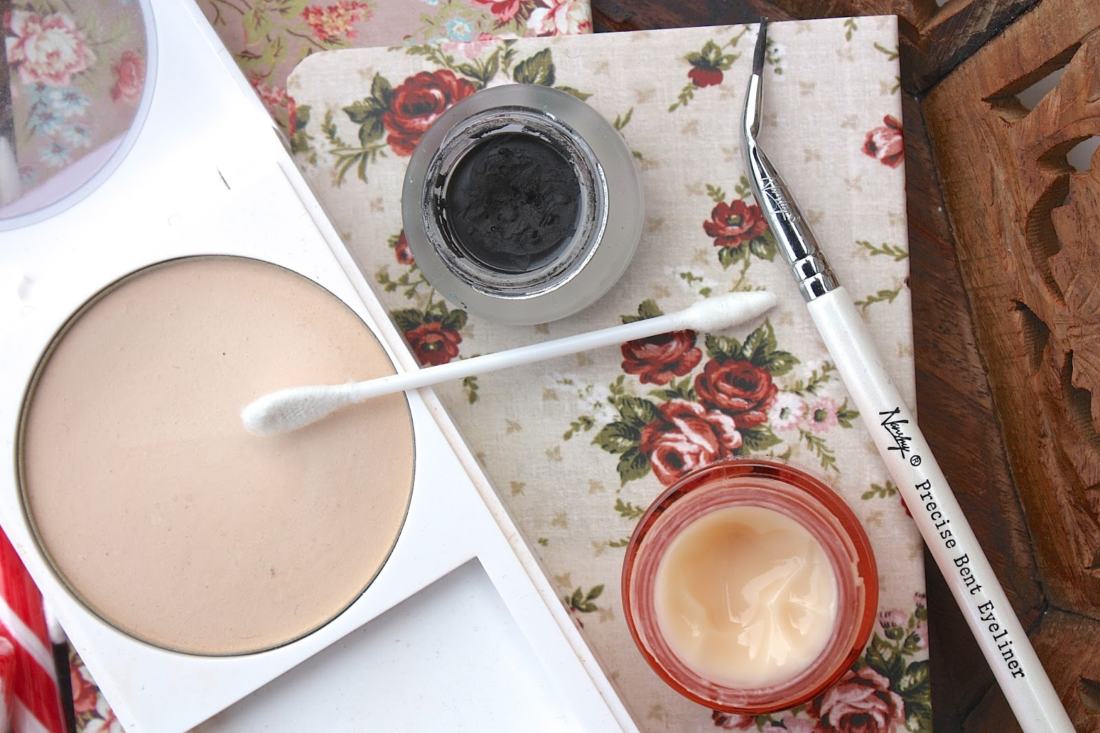 My Make up Touch Up Essentials