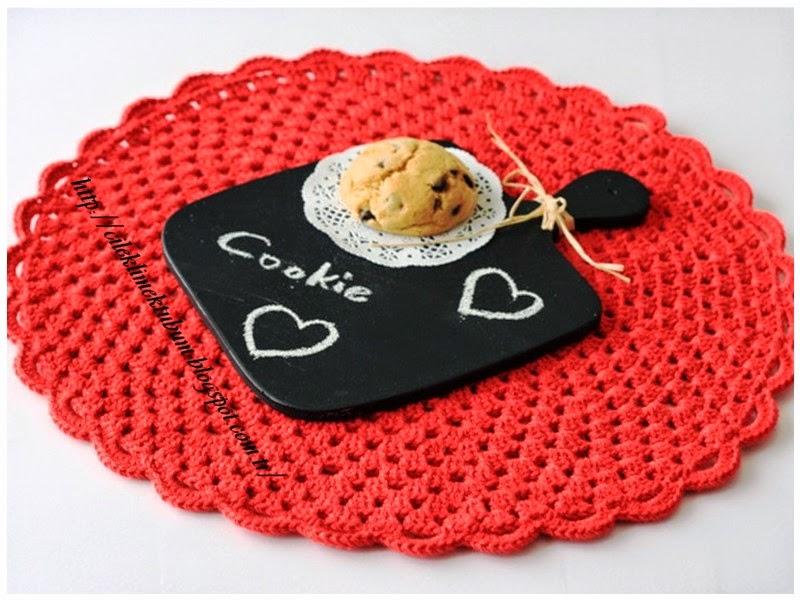 tığ işi, crochet, croceting, kırmızı, supla, amerikan servis, kurabiye, cookies, karatahta, ahşap boyama, tığ işi supla, chalkpaint, black, handmade, elyapımı, örgü, tığişi