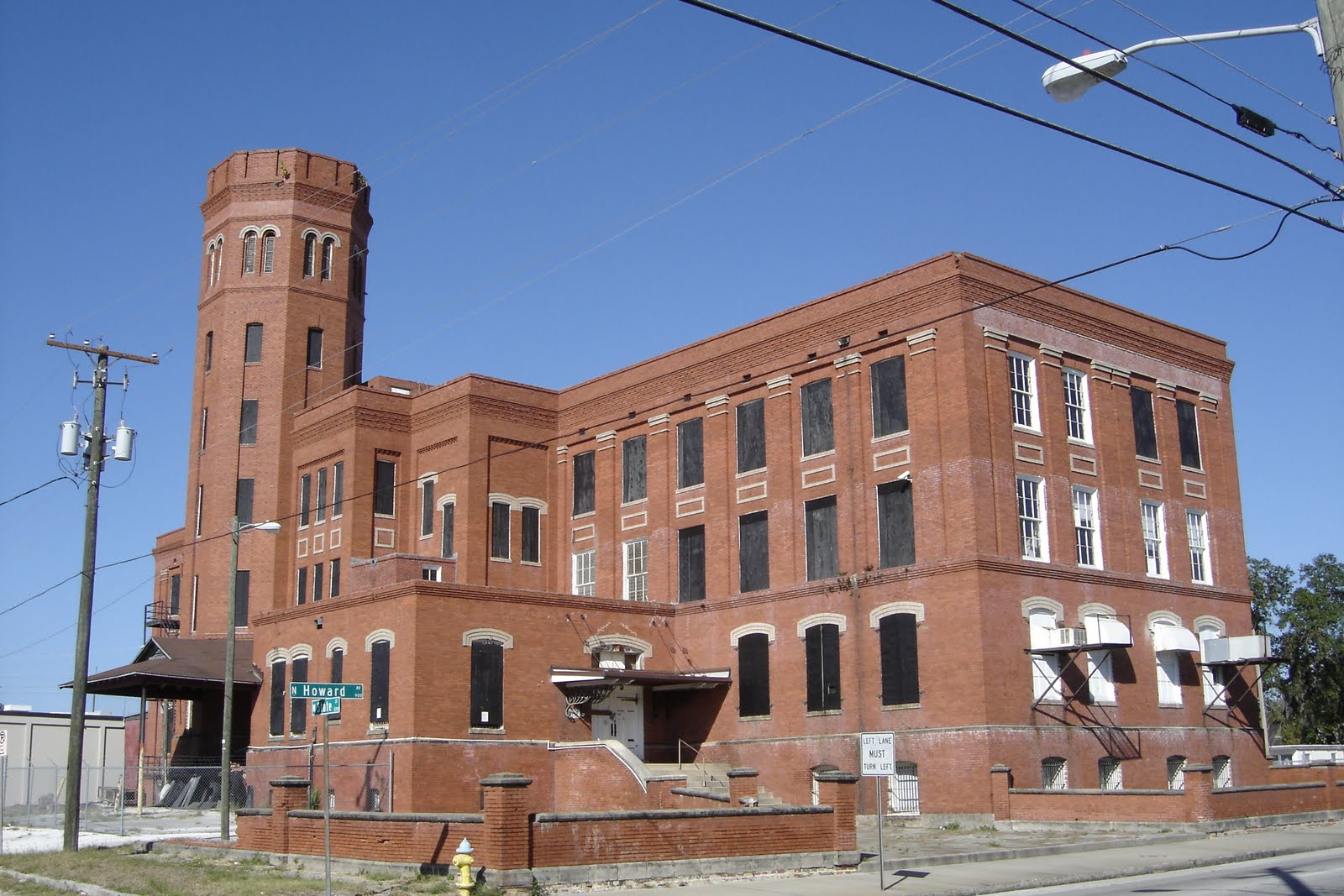 Places To Go, Buildings To See: Cigar Factory - Tampa, Florida