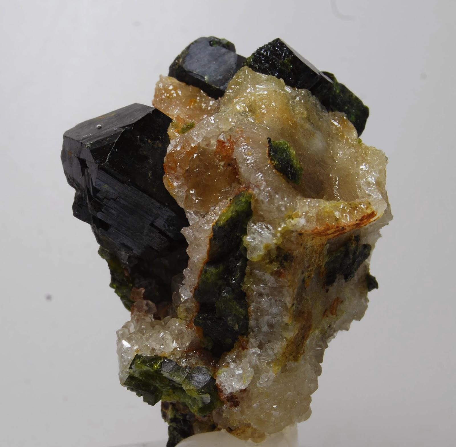 colección R. Fimia Epidota,+Handan+Iron+Mine,+Wu'an+County,+Handan,+Hebei,++China