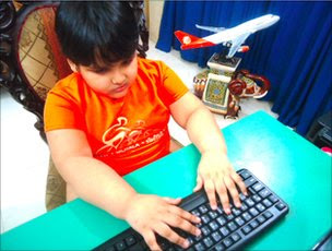 Wasik Farhan picture, Wasik Farhan photo, World's youngest computer expert, Bangladeshi computer whizz kid, Bangladeshi computer expert, Bangladeshi computer expert kid