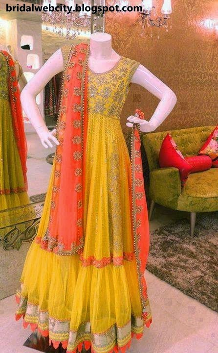 Cute Latest Bridal Mehndi Dresses & Jewelry