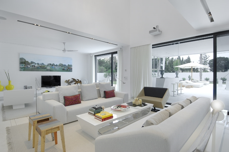 Modern living room of Sotogrande House by A-Cero Architects