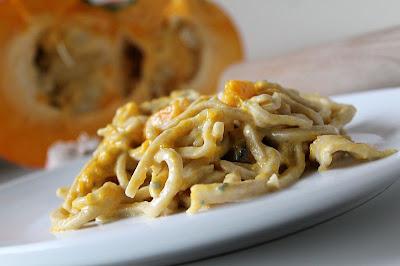 Makaron domowy z sosem z dyni i sera pleśniowego