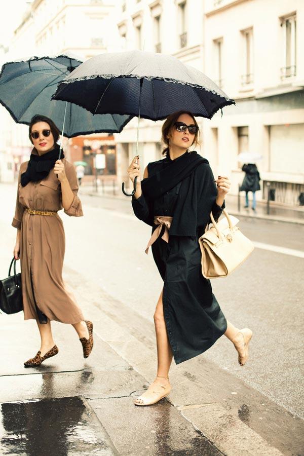 chicas con paraguas