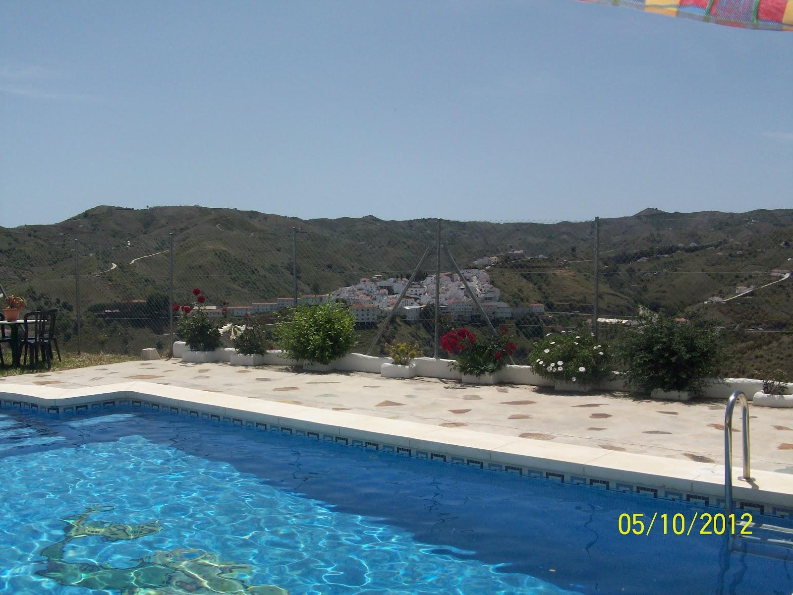 Casa villalba piscina con vistas al pueblo de almachar a for Piscina villalba