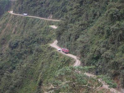 Jalan Mematikan Di Dunia - Yungas Road Bolivia