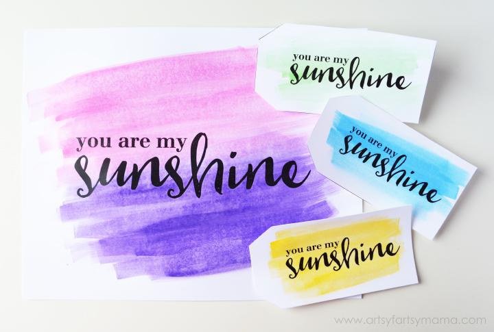 Free Printable Foil Watercolor Gift Tags at artsyfartsymama.com