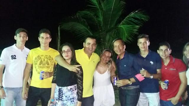 http://www.blogdofelipeandrade.com.br/2015/06/borbinha-ajuda-resgatar-festa-do.html