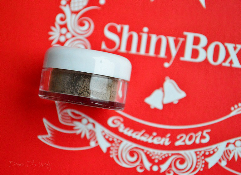 ShinyBox Where The Magic Happens grudzień 2015 - Neauty Minerals Cień mineralny