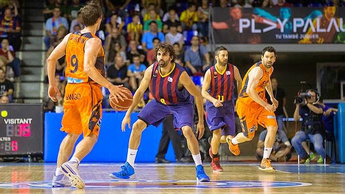 El Valencia Basket supera al Barça en el Palau y sigue soñando