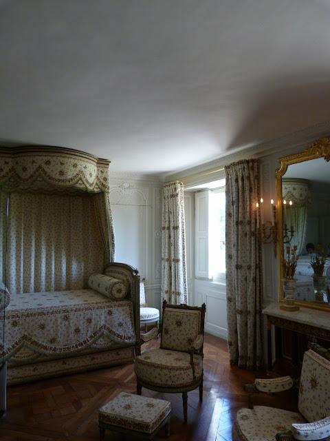 chambre du petit trianon lit
