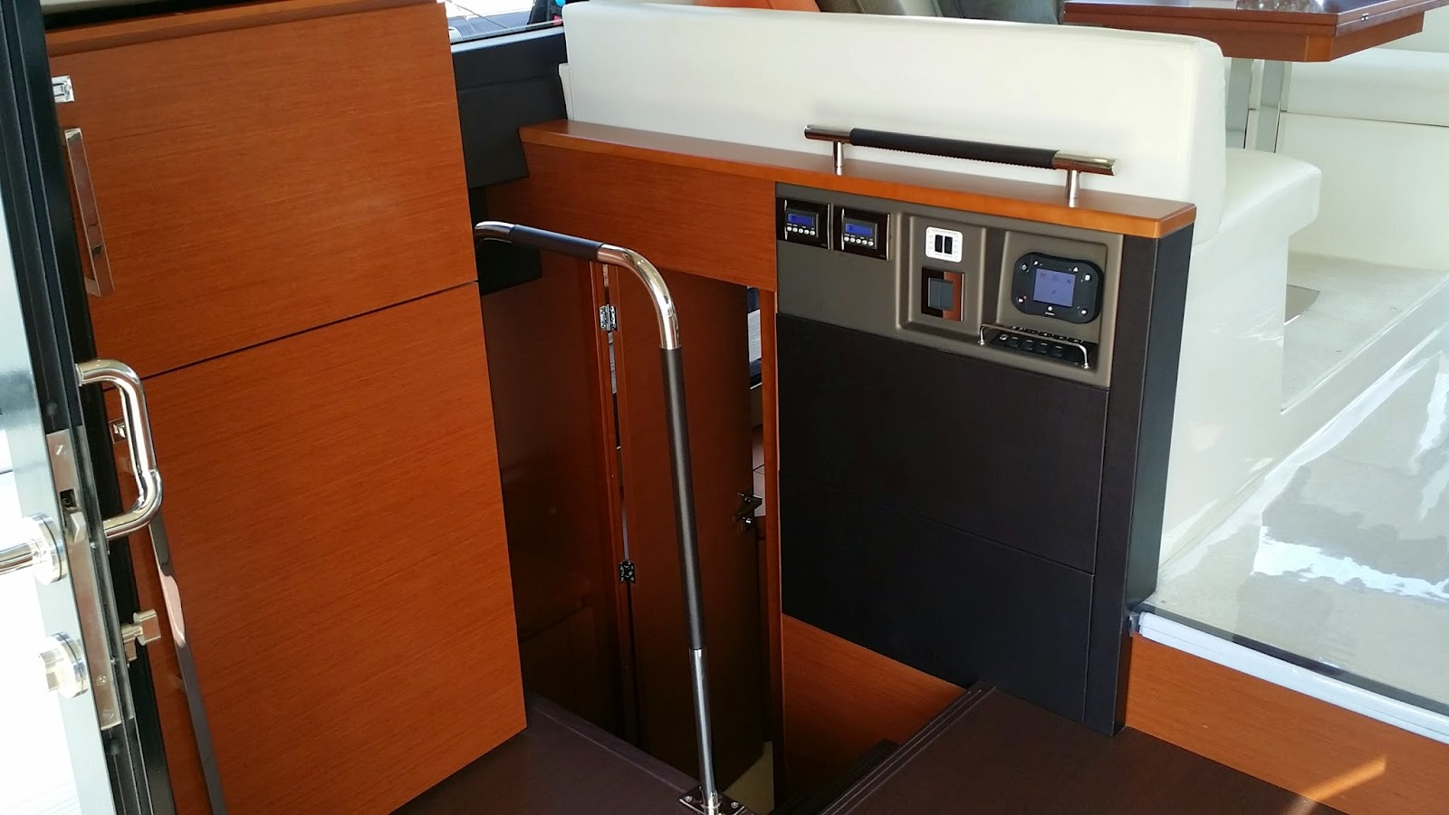 Galley in the Prestige 450