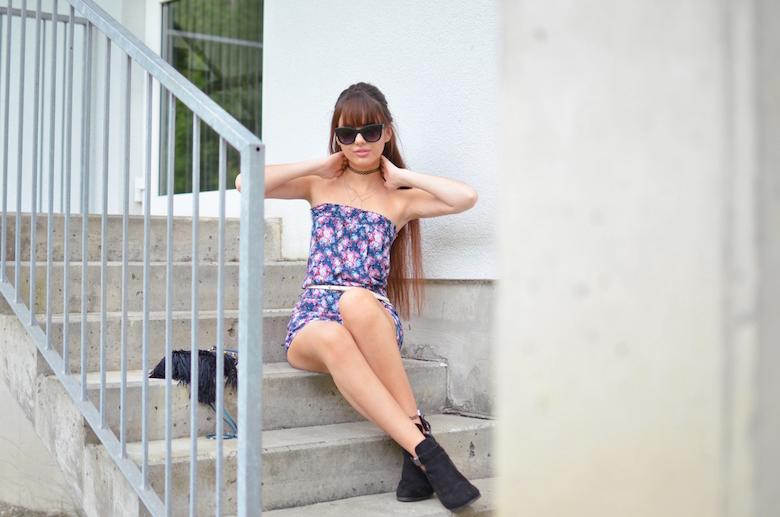Outfit_Blümchen_Jumpsuit_Playsuit_kombinieren_Sommer_ViktoriaSarina