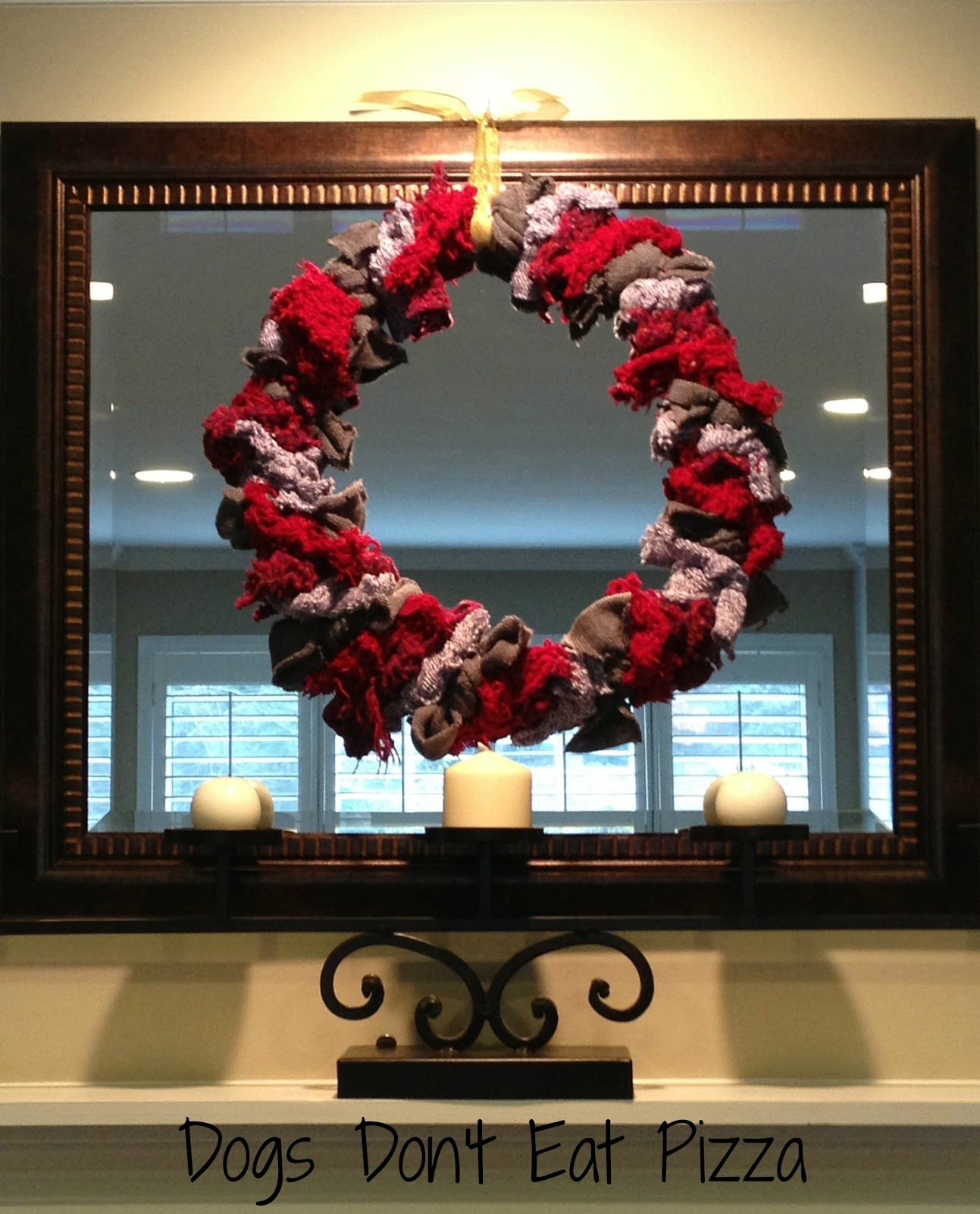 Upcycled sweater wreath - easy and inexpensive holiday gifts and decor - thediybungalow.com