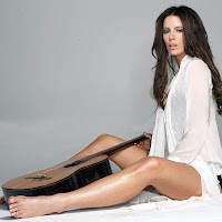 Kate Beckinsale bare legs and feet