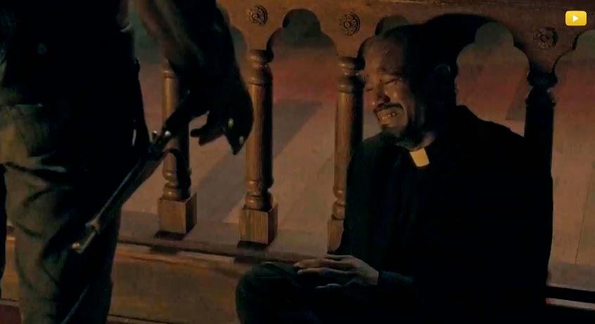 El padre Eugene Stokes en la 5ª temporada de The Walking Dead