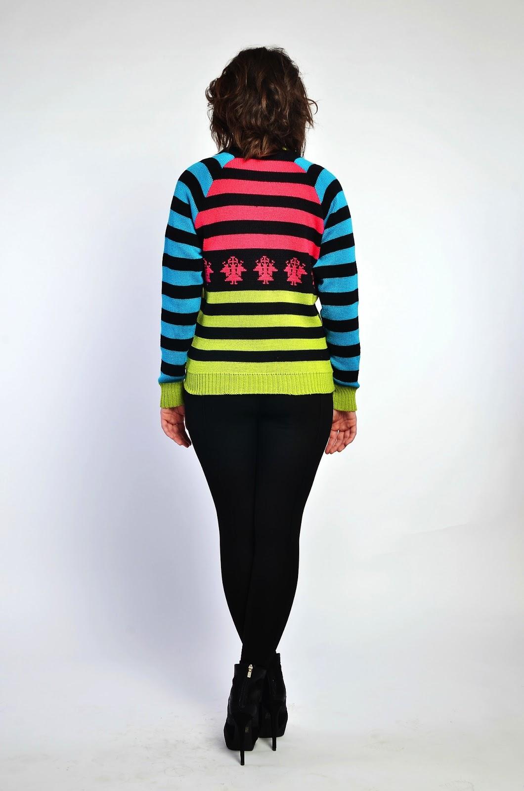 свитер с русским орнаментом