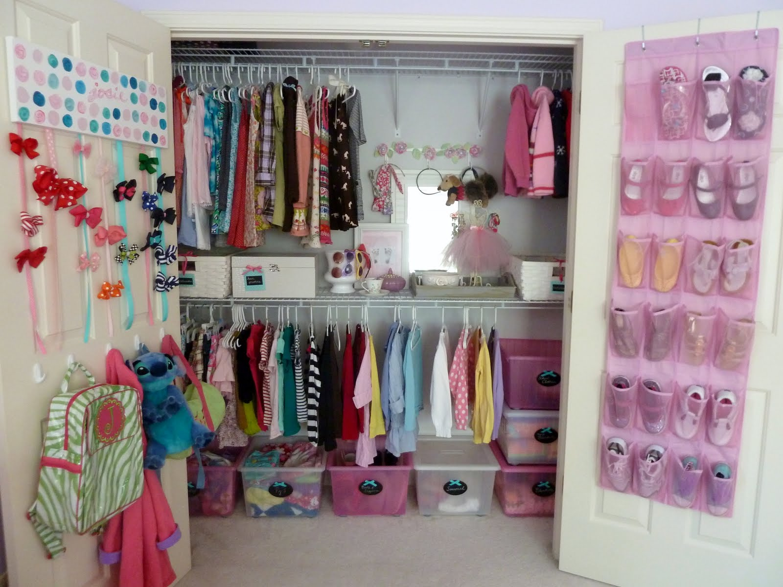 Farry island closet ideas for small and teenage girls for Kids room closet ideas