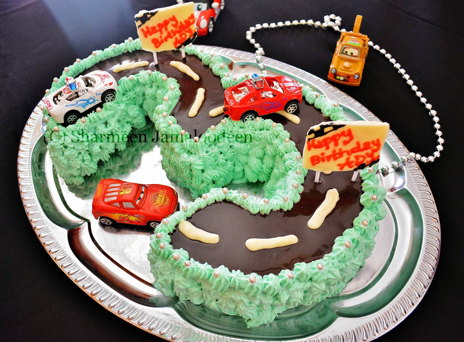 Number 3 Shaped Cars Themed Birthday Cake Confessions Of A Foodaholic