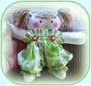 Boneca Poly - 22cm