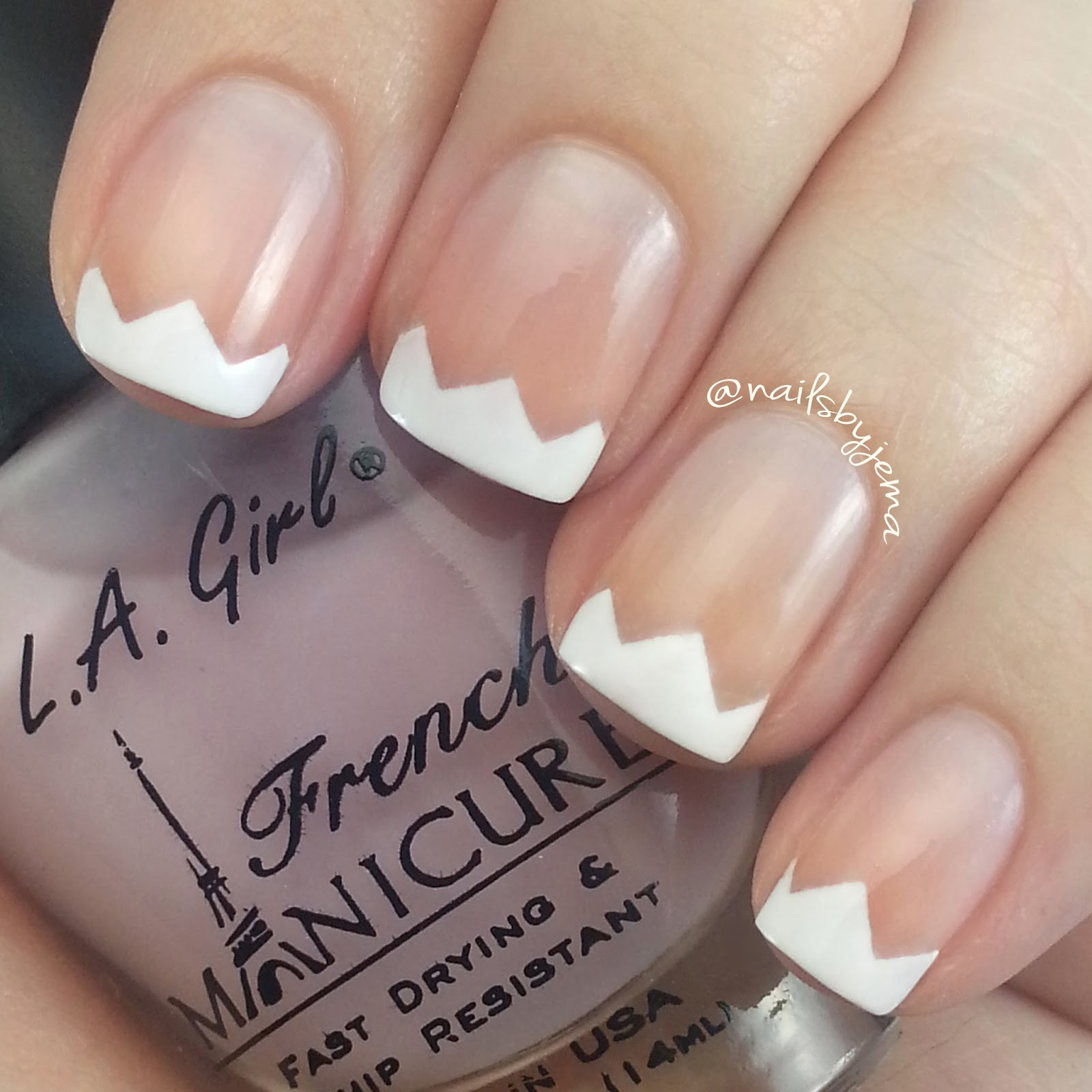 N A I L S B Y J E M A: French Tip Nails.. With A Zig and a Zag!
