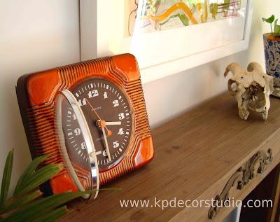 relojes de pared antiguos de los años 60 estilo Almodovar retro