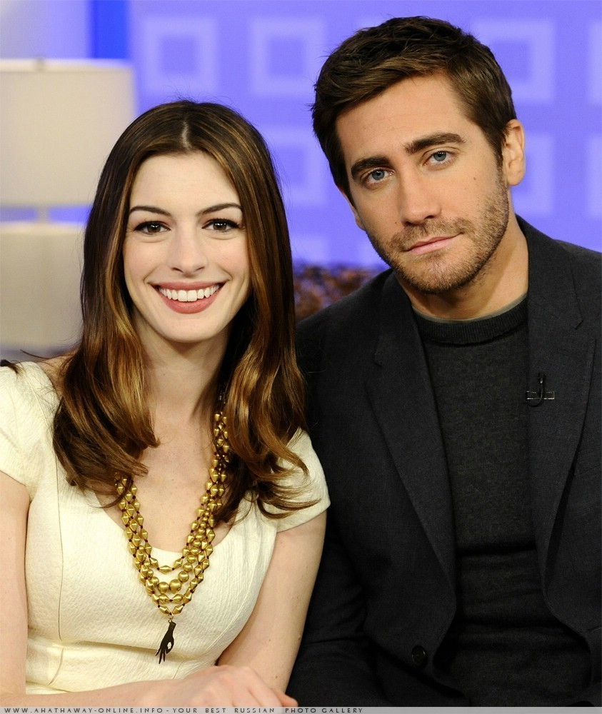 Anne Hathaway People: Awesome People: Jake Gyllenhaal