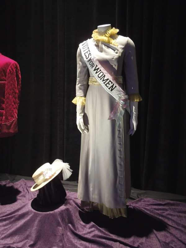 Mrs Banks Suffragette movie costume Mary Poppins