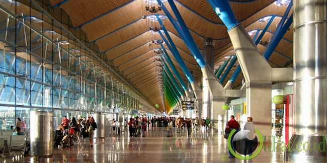 1. Bandara Madrid-Barajas di Madrid, Spanyol
