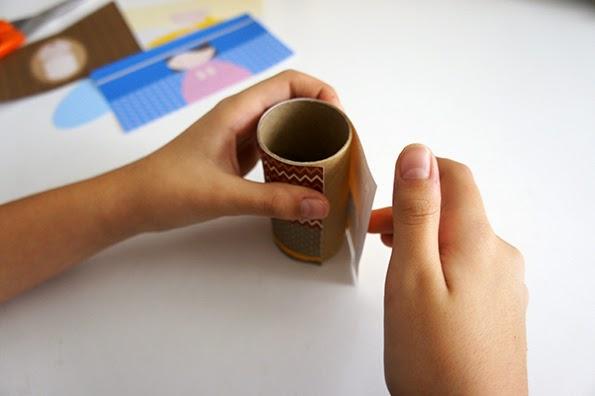 Nacimiento con rollos de papel higiénico en Recicla Inventa