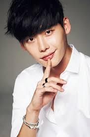 Biodata dan Foto Lee Jong Suk Pemain Drama Korea Pinocchio