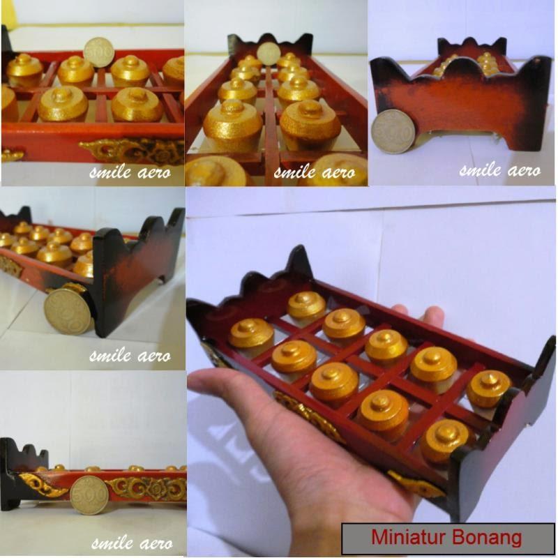 miniatur alat musik tradisional