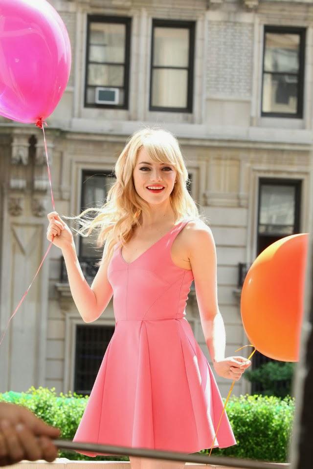 Emma Stone en imagen infantil para Revlon