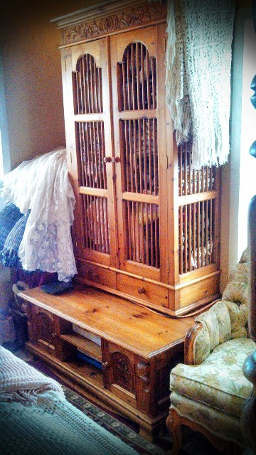Lace Crazy Hand Carved Imported Russian Pine Furniture