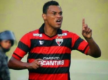 Serrano mudança para Porto Seguro e anuncia contratação de Bida