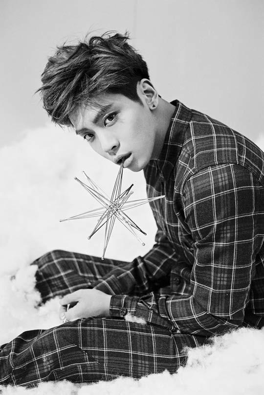 Shinee releases Jonghyun's Dream Girl teaser pics