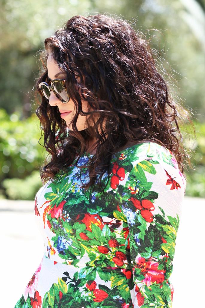 curly-brunette-hair-karen-walker-sunglasses-tropical-floral-dress-king-and-kind-blog-model-co-lipstick