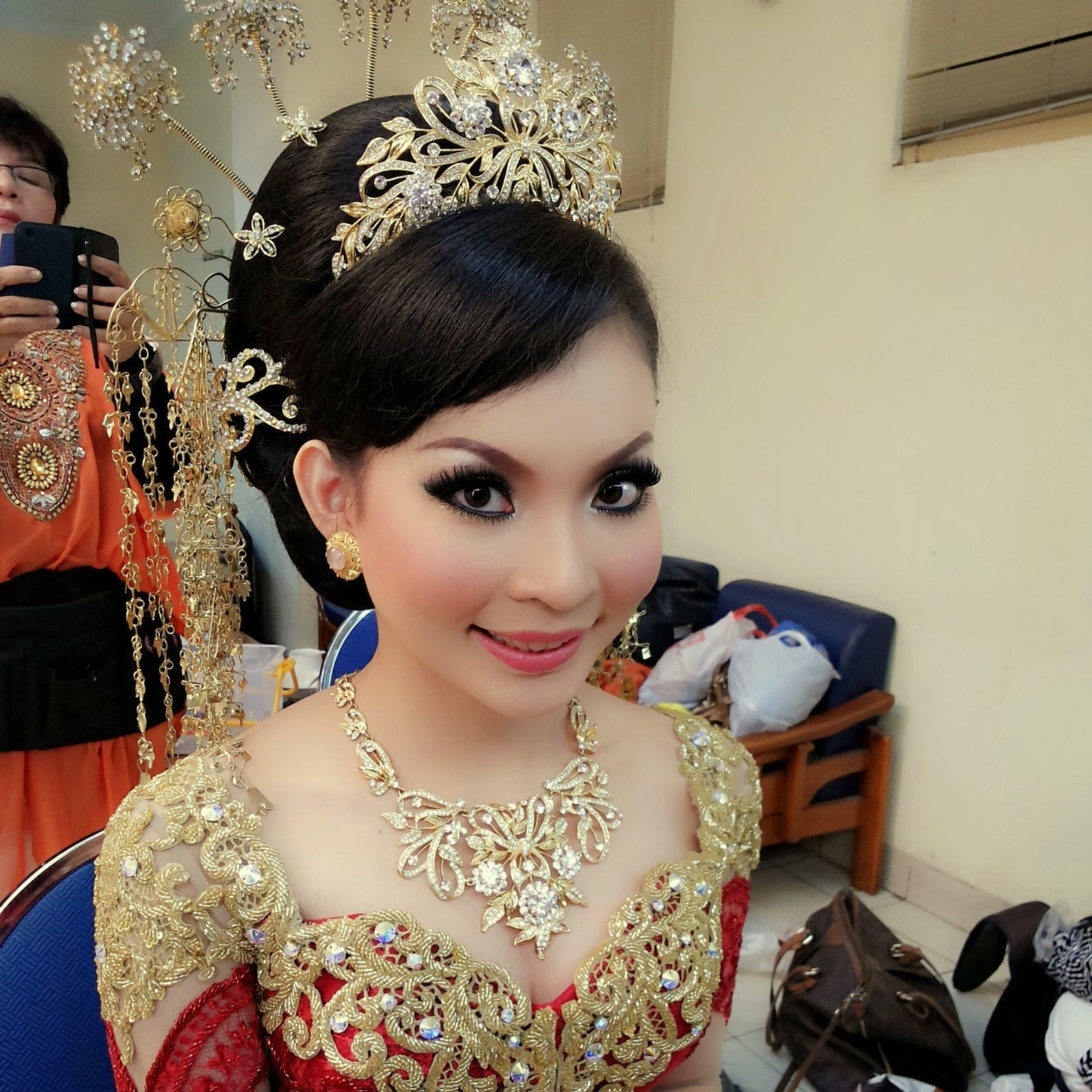 make up pengantin melayu modern by FANNY