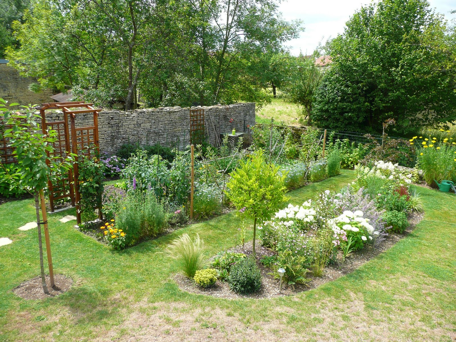 notre jardin secret massif pinky winky avant apr s. Black Bedroom Furniture Sets. Home Design Ideas