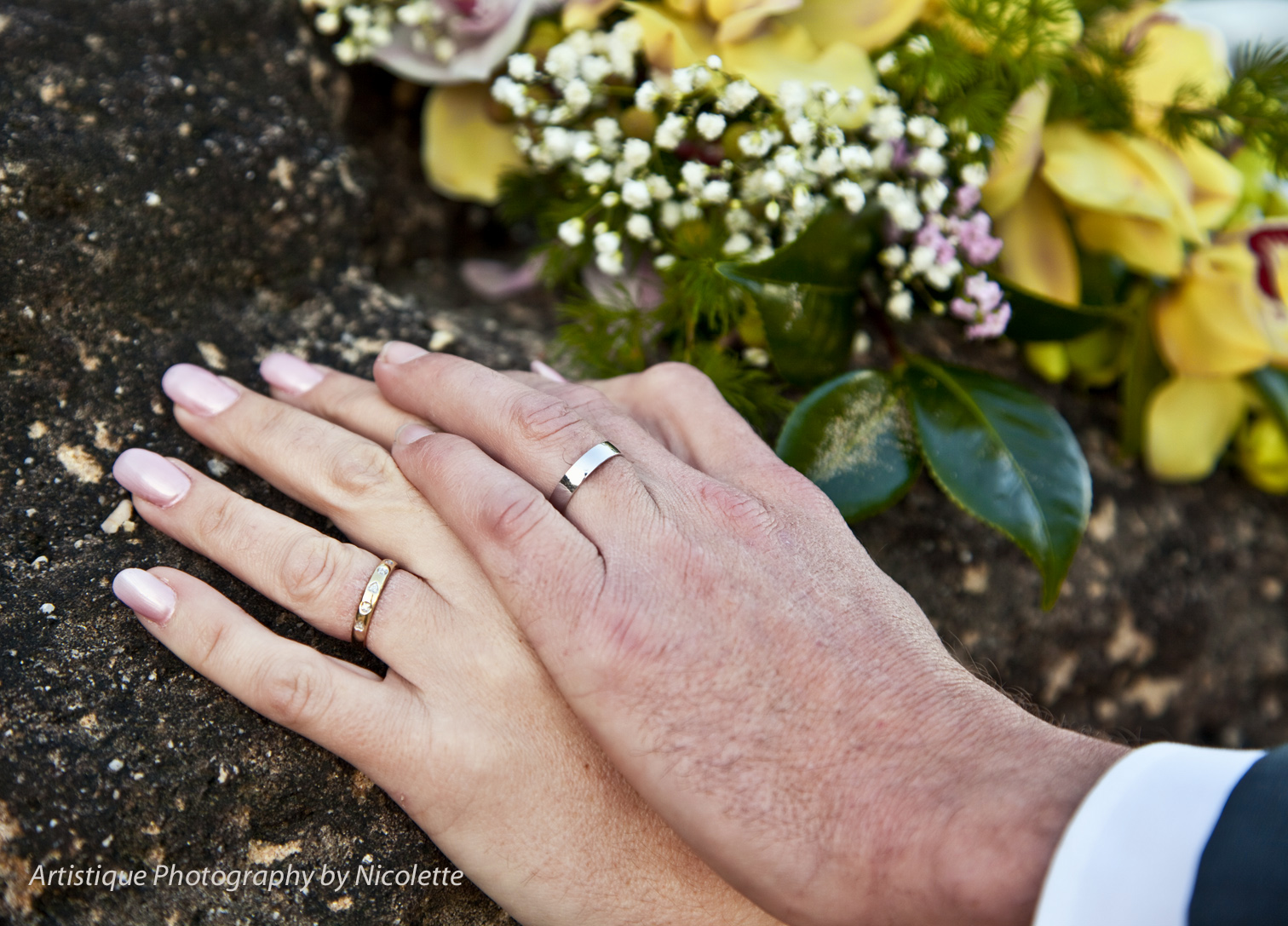 On which hand the wedding ring is worn and how this tradition arose