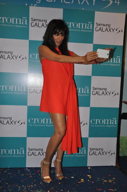 Chitrangda launches Samsung Galaxy S4 in Mumbai, India