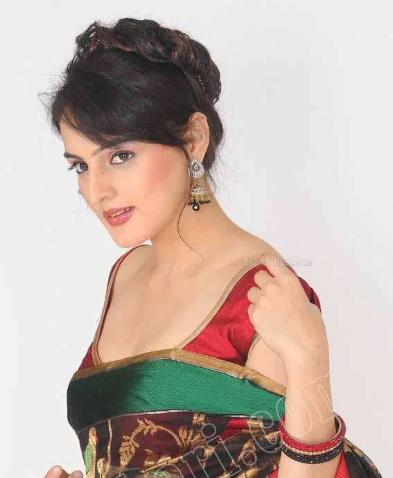 Ragalahari Model Saree Hot - Unseen Kapoor