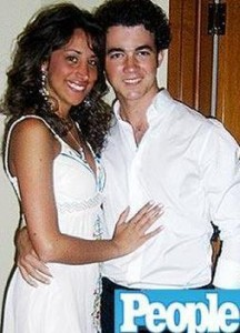 Danielle Deleasa y Kevin Jonas