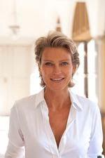 Helga König im Gespräch mit Stephanie von Pfuel
