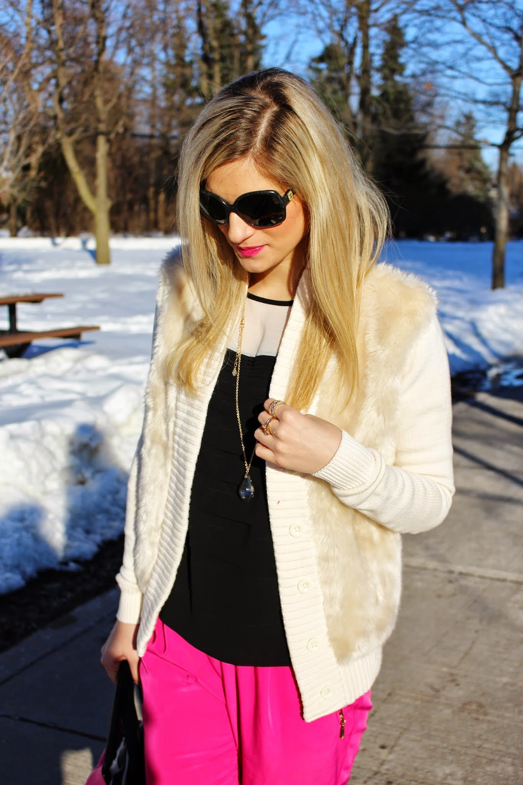 bijuleni,hot pink Zara pants,Betsey Johnson, big bow, Calvin Klein, fur, streetstyle