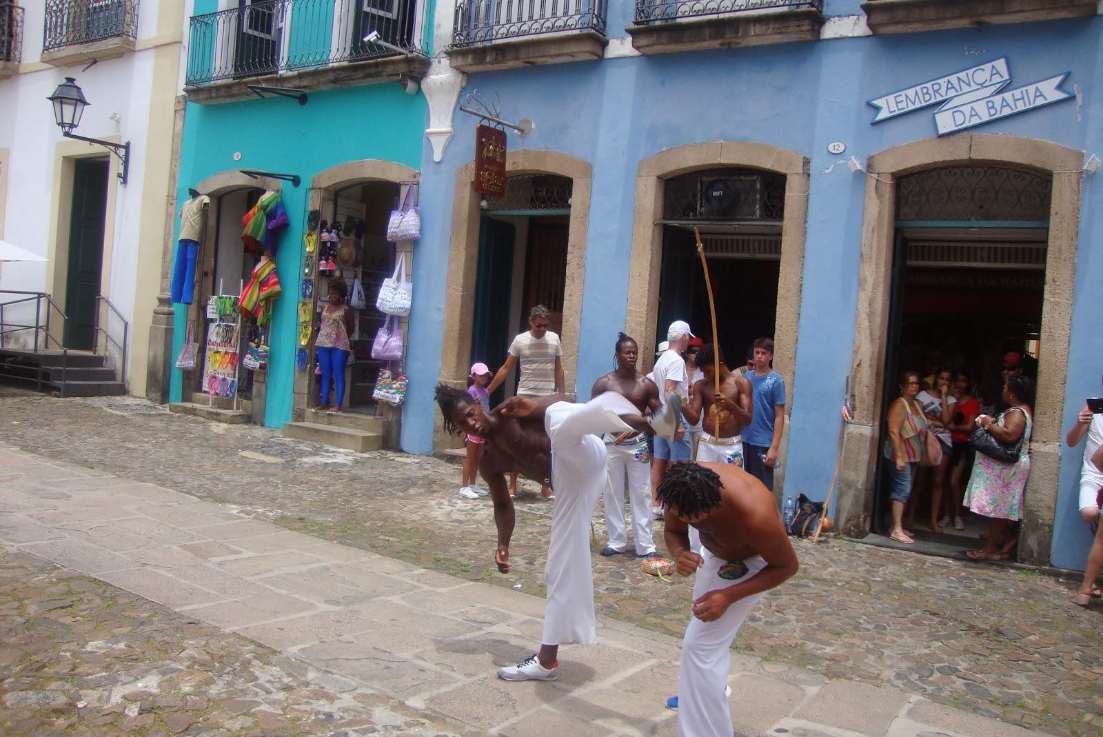 Capoeira nas ruas do Pelourinho - Salvador - BA